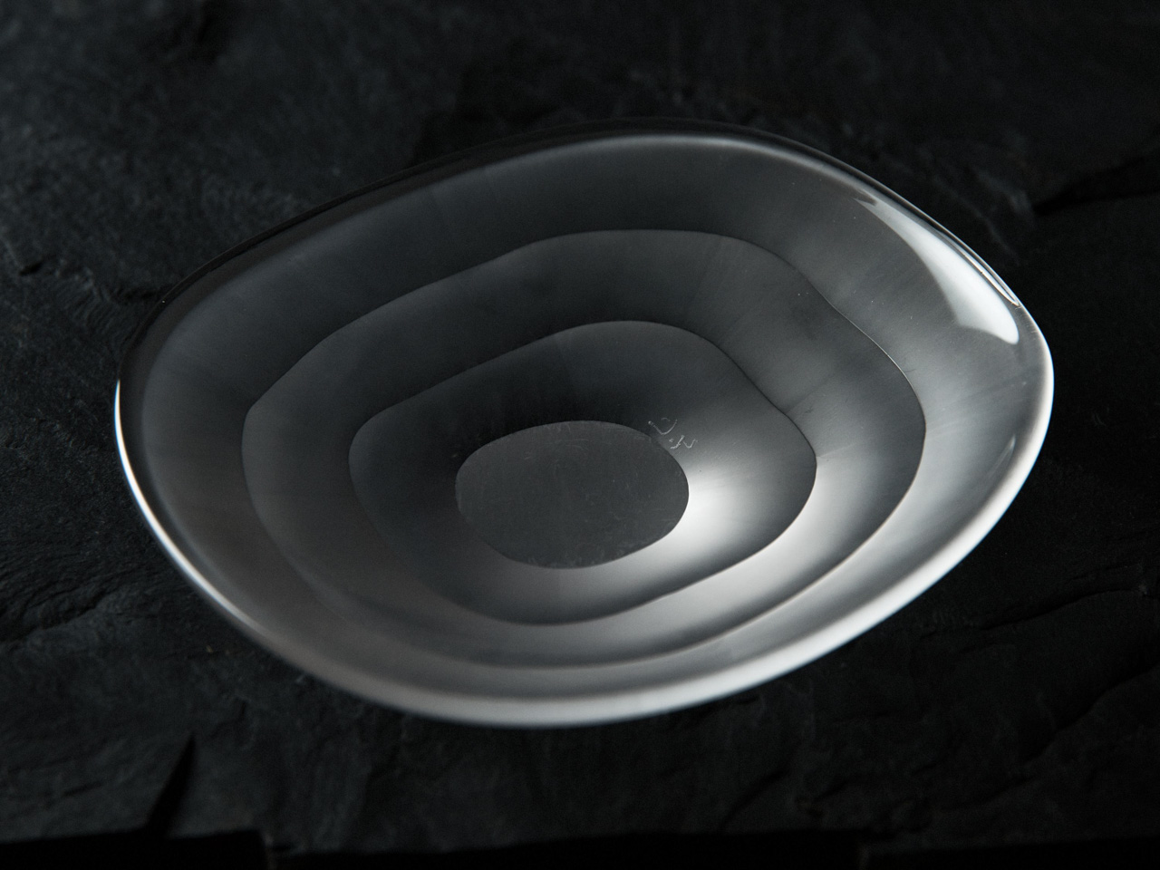 Yutaro Kijima's Glass Work - dish